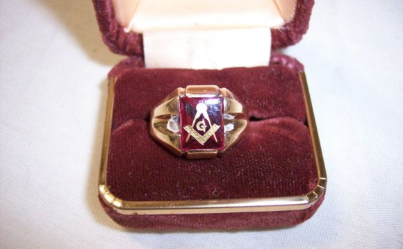 1960 S VINTAGE 10K GOLD